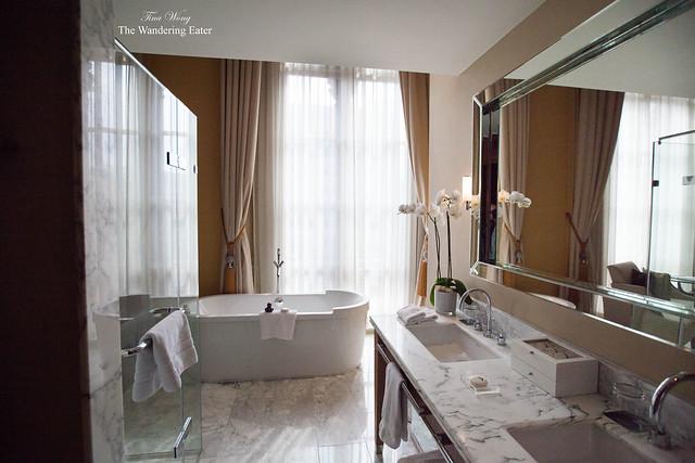 The bathroom in Sir George Gilbert Scott Suite