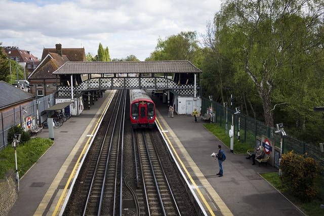 Metropolitan Line Train Arrives Ruislip Station
