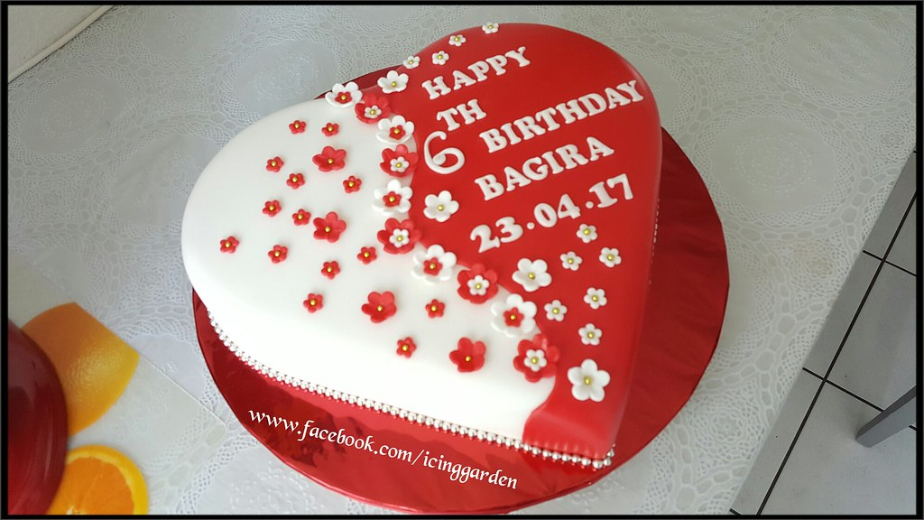 Birthday Cake Fondant Icing Cake 6 Th Birthday Cake Flickr