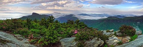 sky fog northcarolina linville linvillegorge tablerock hawksbillmountain blackmountainrange wisemansview carolinarhododendron