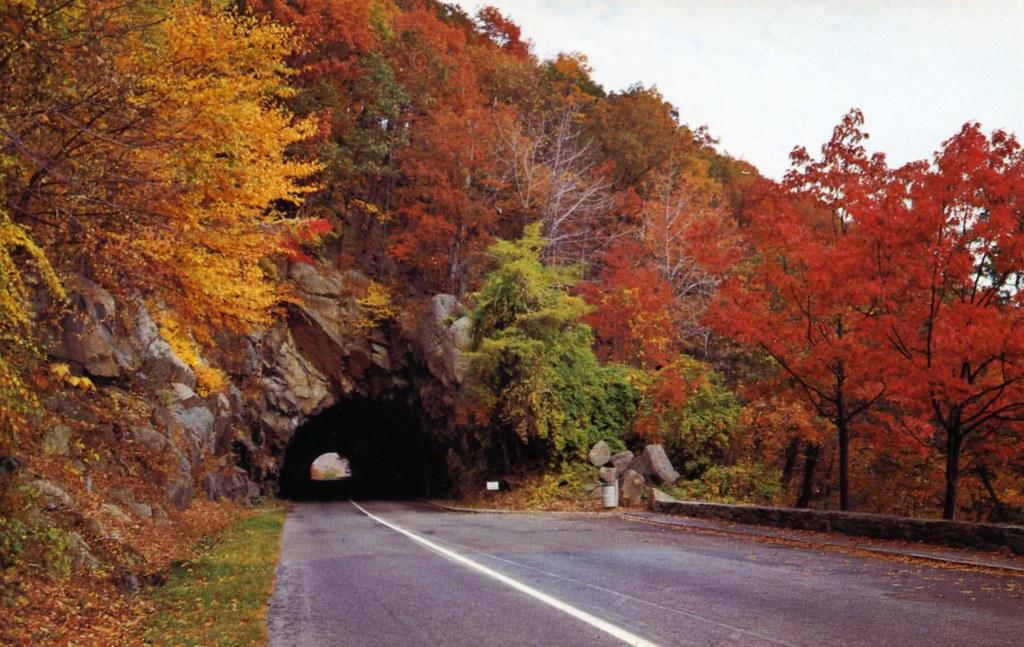 Mary's Rock Tunnel on Skyline Drive Shenandoah National Pa… | Flickr