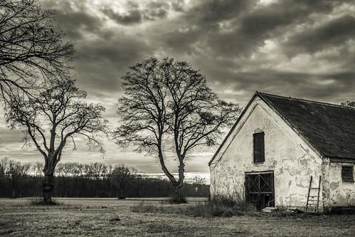 bw barn germany landscape bavaria blackwhite europe moody cloudy eu shack deu isolated phototype canoneos6d