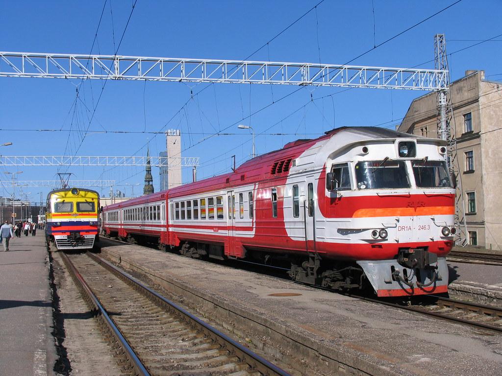DR1A-246.3/DR1A-246.4 op station Riga Pasazieru op 3-5-2010