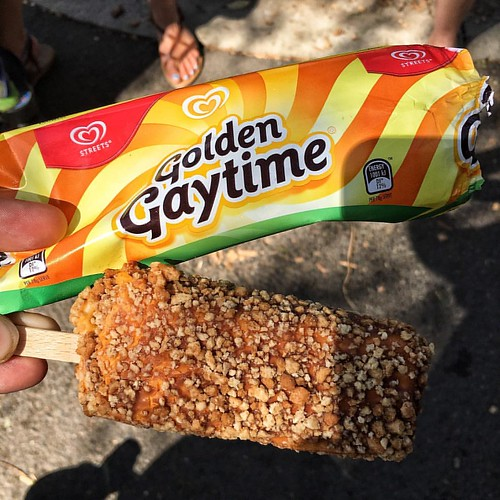 Having a Golden Gaytime at the Melbourne Zoo because that's how I spend my Labour Day long weekend. #eats