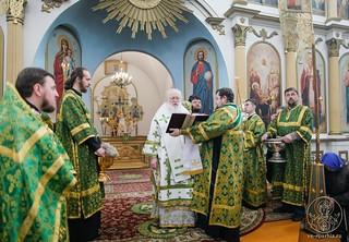 Литургия в Воскресенском соборе 400