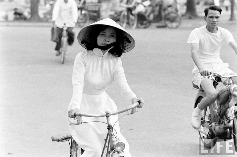 Hue 1961 - Photographer: John Dominis | Tommy Japan 79 | Flickr