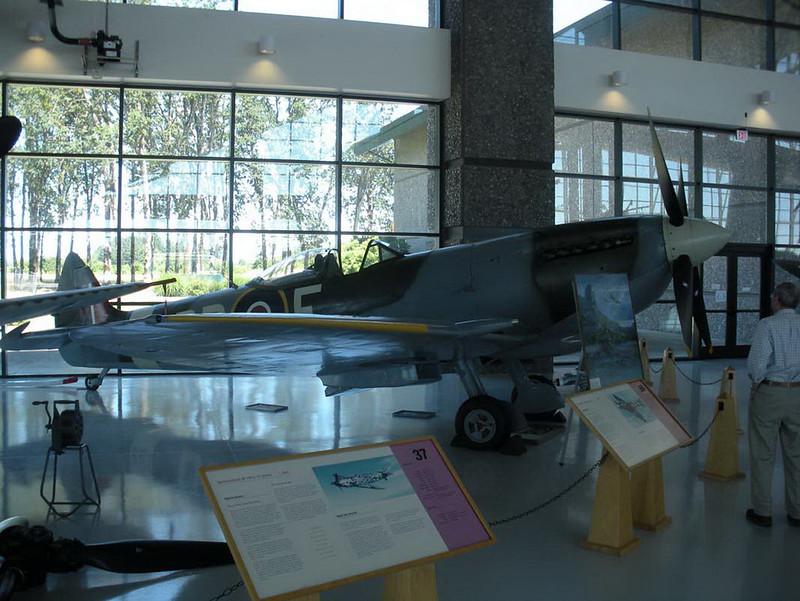 Spitfire Mk XVI (1)