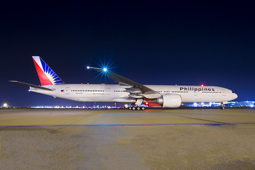 Philipines Boeing 777 LHR | by iesphotography