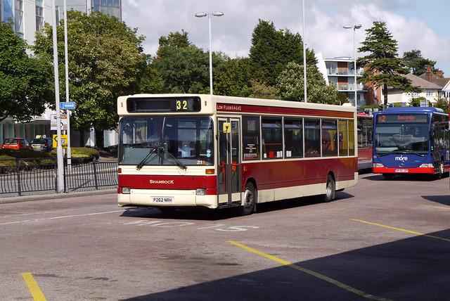 Shamrock Buses P262NRH