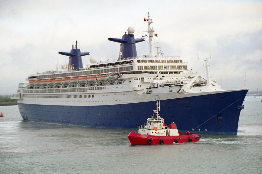SS Norway - Michael & Lee Anns honeymoon cruise 2002