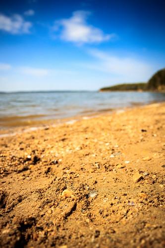 nanjemoy maryland unitedstates us pursestatepark md beach potomac potomacriver sand pebbles water tide surf skies clouds bokeh landscape outdoors nature outside sunny rock