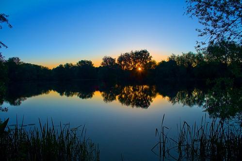 sky lake reflection water silhouette sunrise bedford bedfordshire felton fingerlakes lumen robertfelton