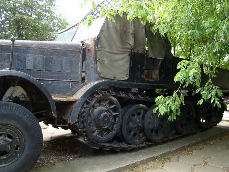 SdKfz 9 (8)