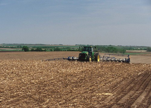 Tractor tillage | by Plains and Prairie Potholes Landscape Conservation