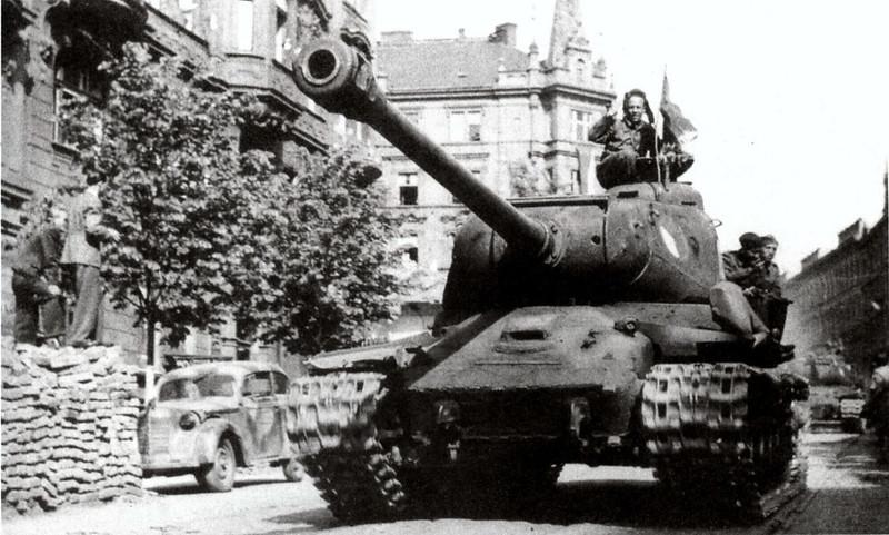 Tank IS-2 (3)