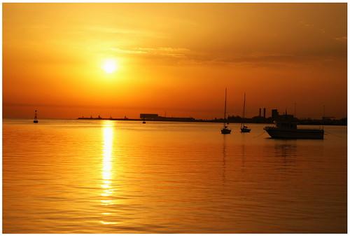 sea sun sunrise sony corniche alpha dslr a330 doha qatar mygearandme