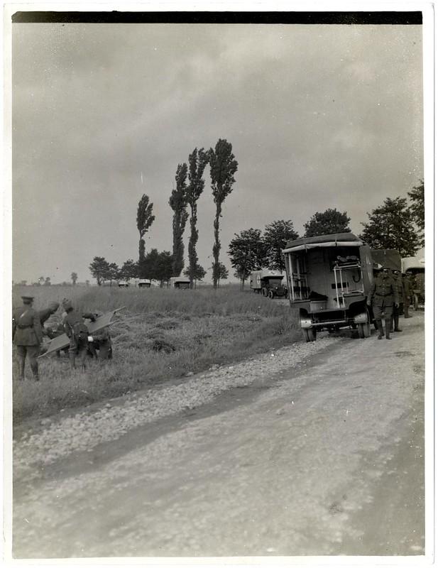 The Maharaja of Barwani with ambulance cars [Merville, France]. Photographer: H. D. Girdwood.