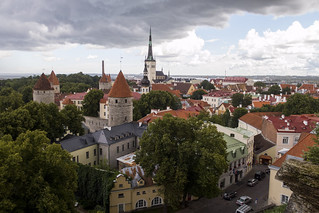 Vista de Tallin (Estonia) desde las Escaleras Patkuli