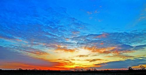light sky cloud sun sunrise skyscape bedford bedfordshire felton lumen cardington robertfelton