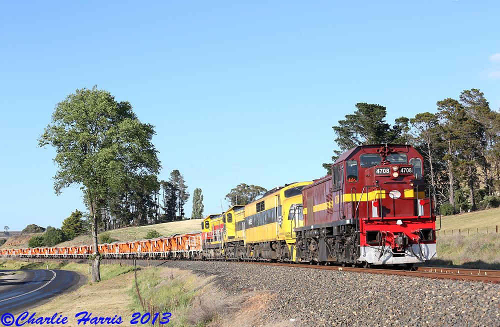 SSR 4708 GM22 4917 4911 on 8M22 Perthville B sm on Tuesday 05-11-2013 by Charlie Harris