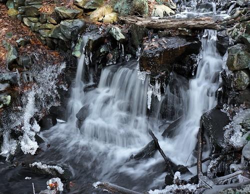 cold ice creek waterfall stream massachusetts brookfield formations christmas2013