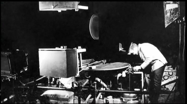 Doug Trumbull setting up the slitscan