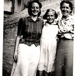 Betty Ford, Joan Weaver (11 yrs) and Hilda Ford