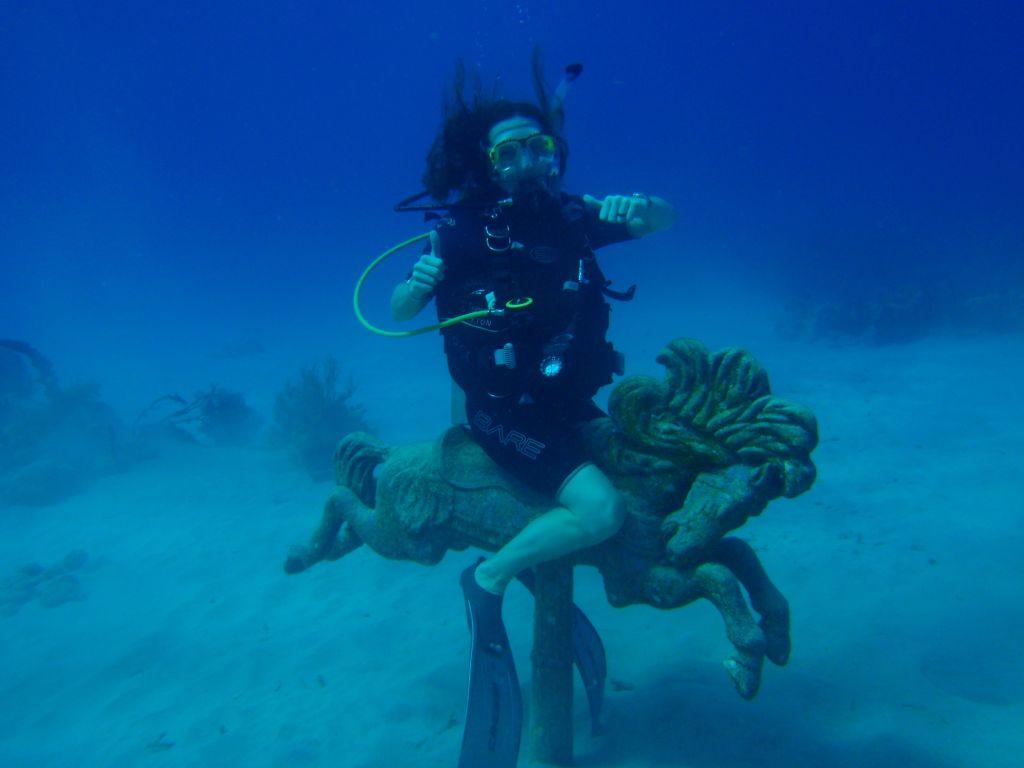 Melanie diving1