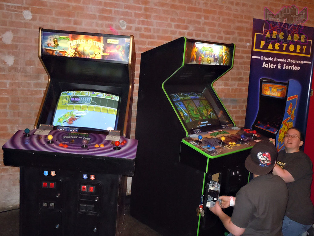 JARED'S EPIC PARTY! :: Foot Clan Arcade Area