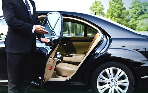 Utazzon luxus gépjárműben!