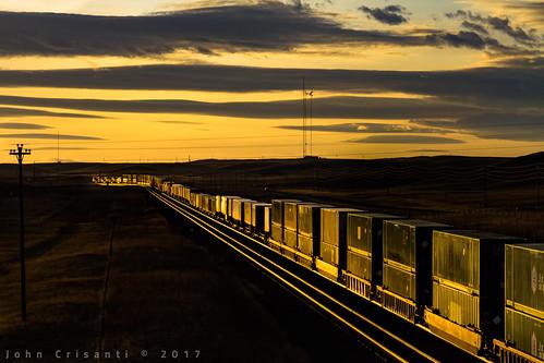 unionpacific emdsd70ace emdsd70m intermodal trains train railfanning railroad railfan railway railroads wyoming wyomingtrains wyomingrailroads transcontinental landscape overlandroute shermanhill sunset sun clouds railroading