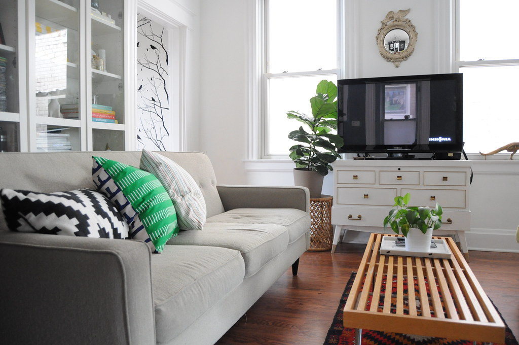White, Green and Red Living Room | Blogged, 11/4/13, www.goh… | Flickr