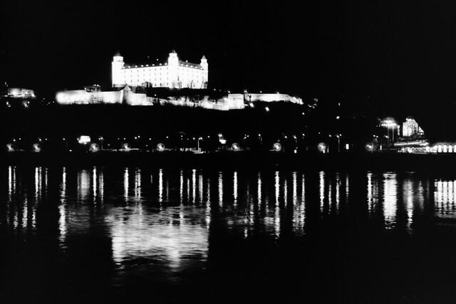Nad pięknym czarnym Dunajem / By the beautiful black Danube / An der schönen schwarzen Donau