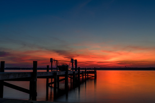 sunset long exposure perdido bay pensacola florida sony a7 28mm f22 dock colors reflection
