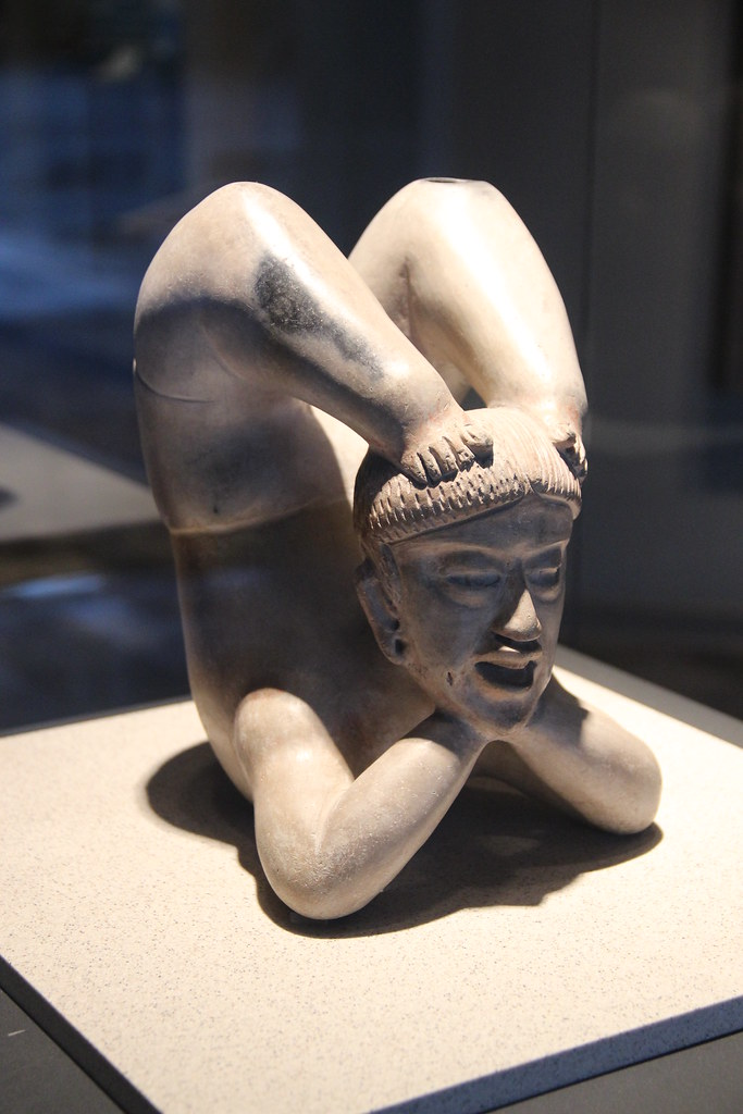 Clay Acrobat, Tlatilco, Middle Preclassic, Olmec Influence, 22cm, 1200-600 BC