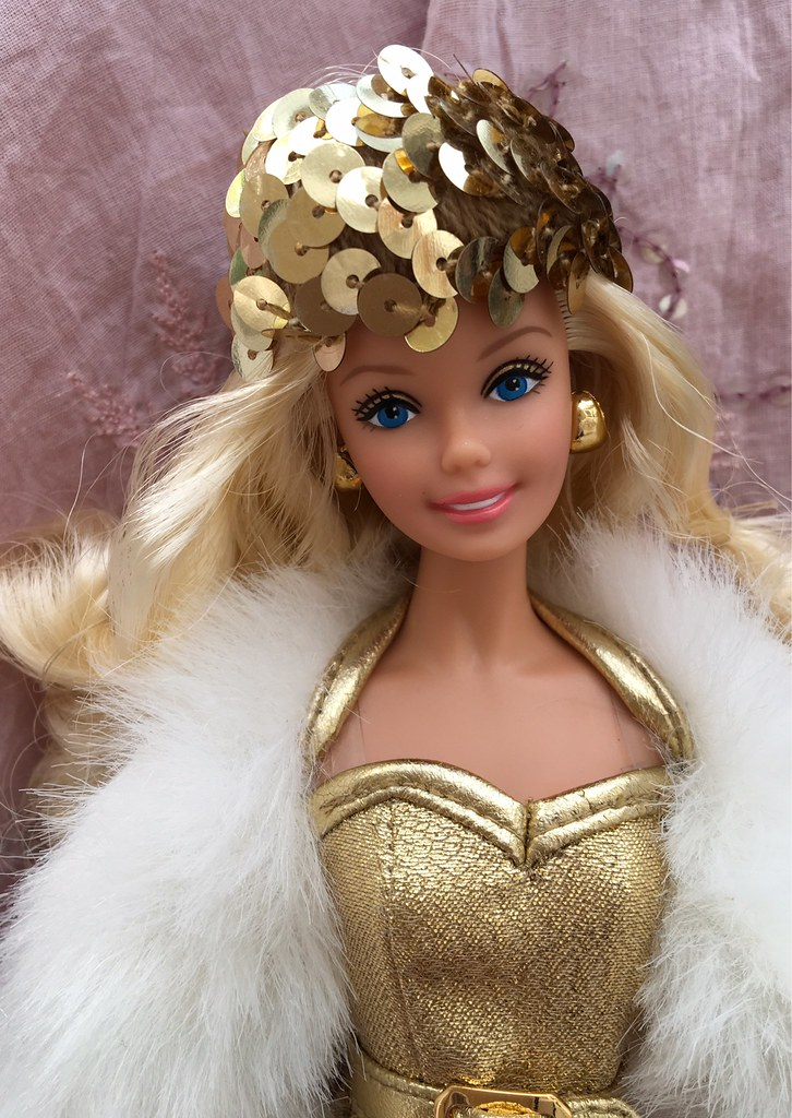 Barbie Collector Golden Dream Reproduction In Golden Headb