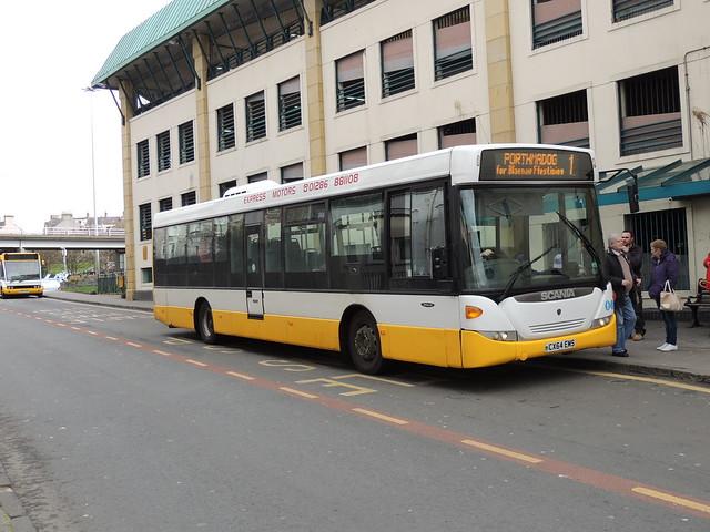 DSCN8720 Express Motors, Penygroes CX64 EMS