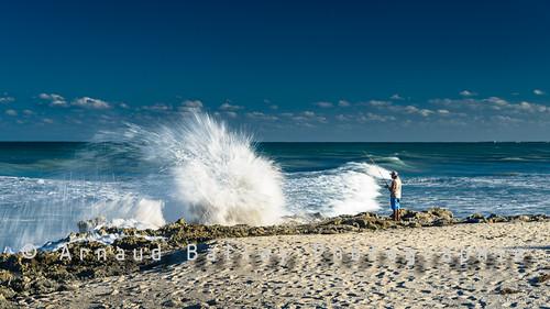 d610 floride beach fisher hutchinson island mer nikkorafs24120mmf4 nikond610 plage pécheur sea stuart usa vague wave étatsunis us landscape littoral seascape graphisme nikon nikond600 24120mmf4