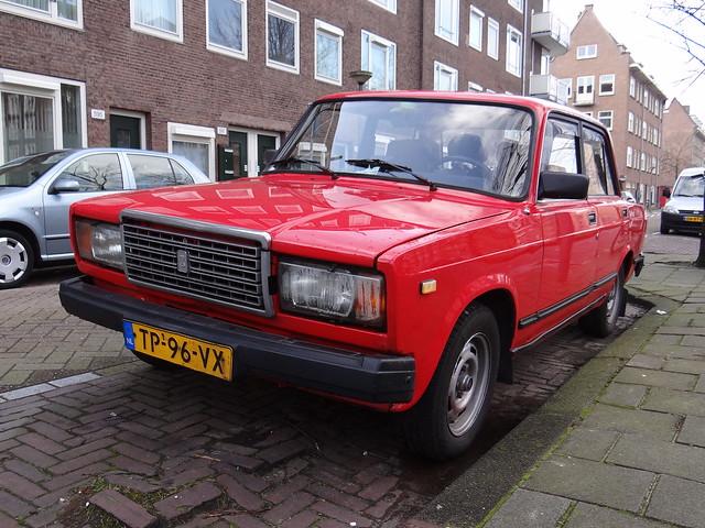 1988 Lada 2107 5-speed / ВАЗ-2107