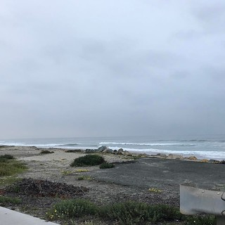 Rode to the beach this morning. Overcast but still nice to get out. Early, home in time for comic con registration. . . . #velonutz #dawnpatrol #bikeride #beach #sdcc #comiccon | by jsf.online