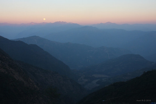 coucherdesoleil leblu lune montagnes nepal préci salyanvdc solukhumbu