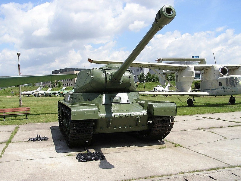IS-2 (1)