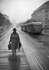 Streetcar in 1947 on Pennsylvania Avenue NW with a view of the Capitol
