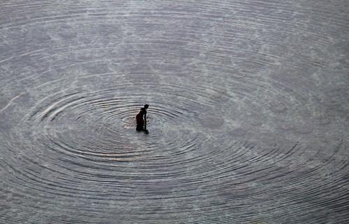 bali 2013 bukit bingin thetemplelodge geckosuite indonesia view ocean water sea circles round ripples man fisherman fishing rocks clearwater repetition patterns