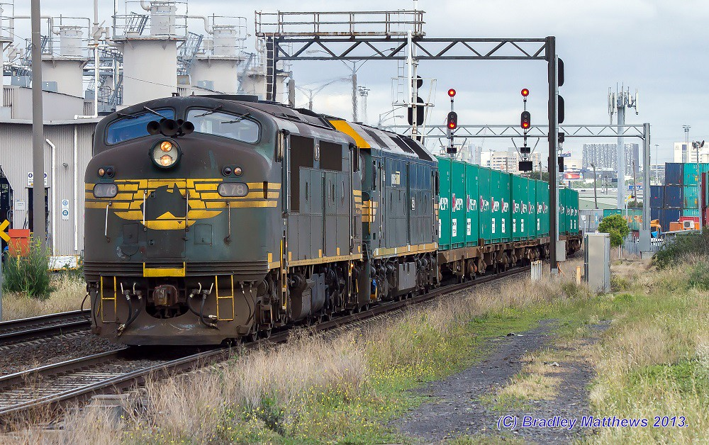 A78-G539 with #9305 down Tocumwal freight at Sims St (14/11/2013) by Bradley Matthews