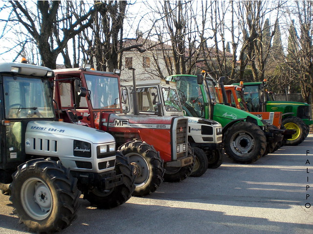 Parata di trattori
