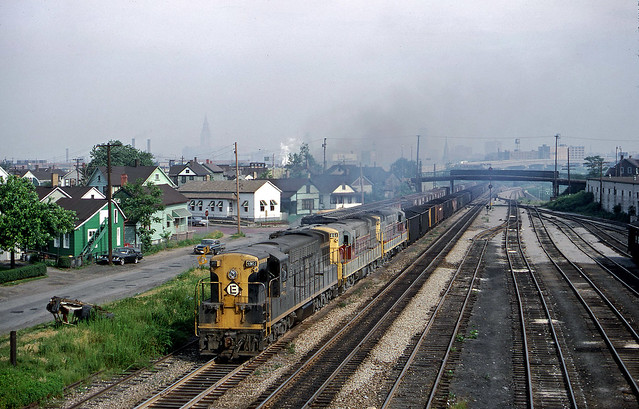 Erie Lackawanna 1852 & Ore Drag East 55th Cleveland OH 1968