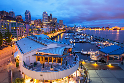seattle washington cityscape bluehour ef1635mm canon 5diii 5dmarkiii cloudy night