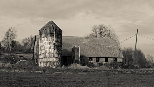 blackandwhite building barn rural rustic silo canong15