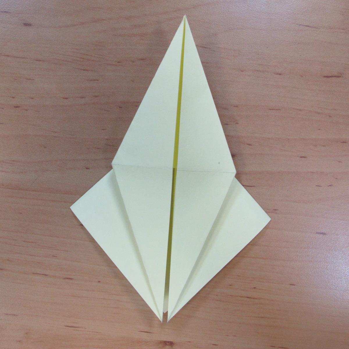 วิธีพับกระดาษเป็นดอกกุหลายแบบเกลียว 011